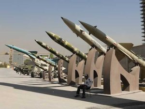 iran-missiles-exhibition-commemoration